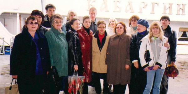 Отмечаем день мед.работника на теплоходе — 2004 год
